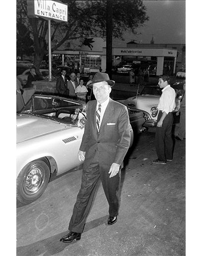 V porovnání s Elvisem byl Frank Sinatra možná o něco konzervativnější, ale sebevědomí mu rozhodně nechybělo.