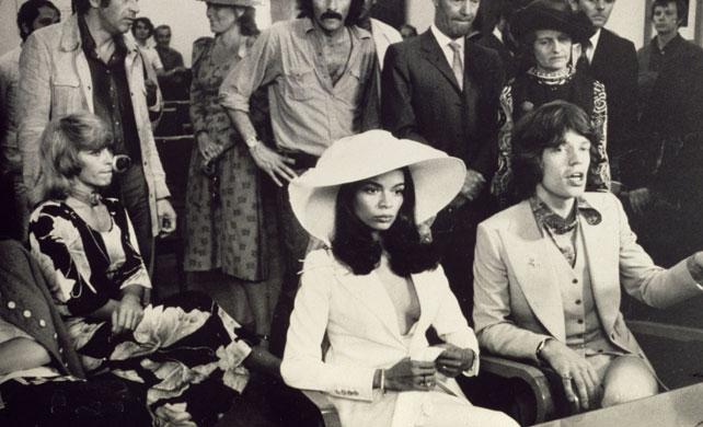 Jak Se Obleknout Na Svatbu At Uz Jste Zenich Nebo Host Muzi V Cesku
