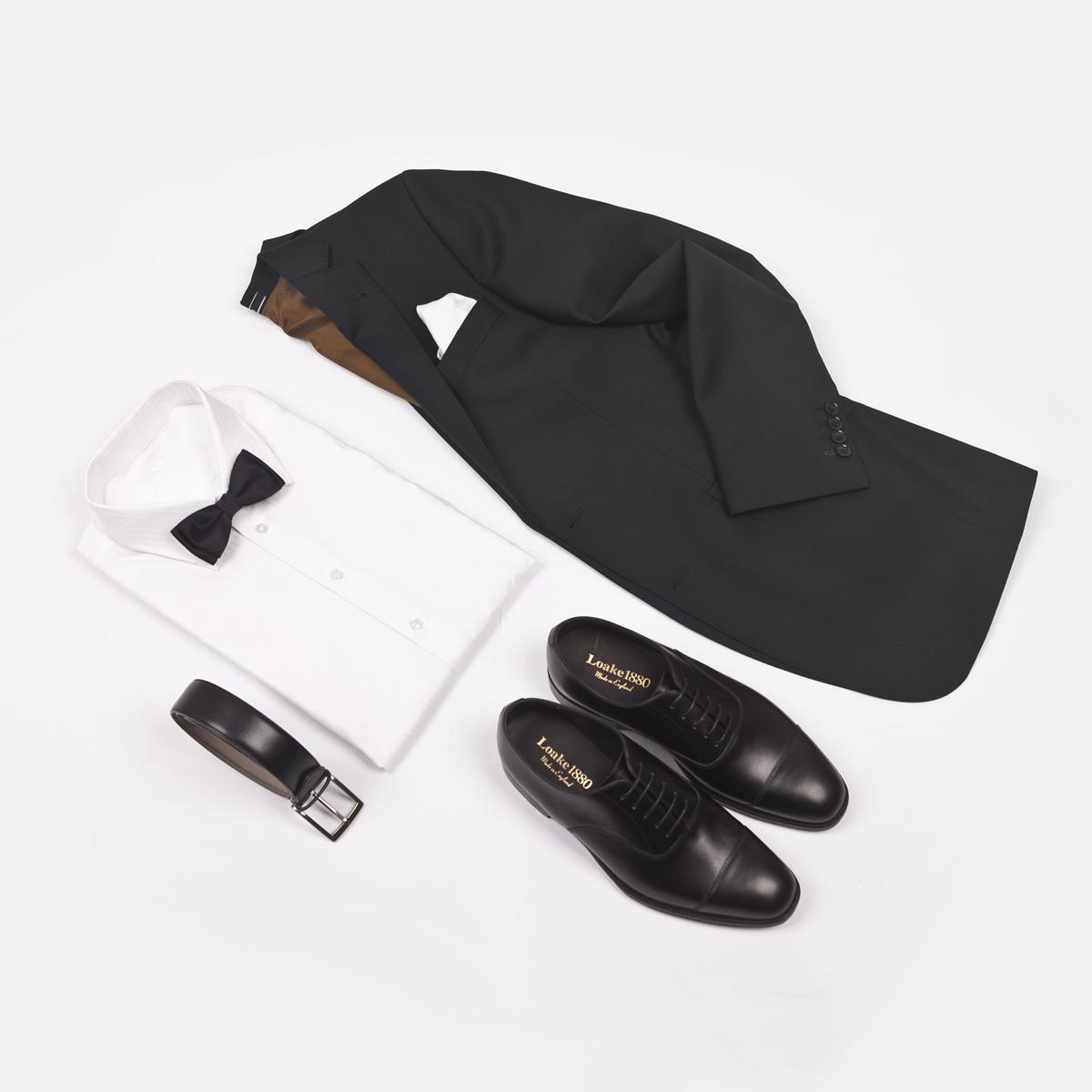 706674e85137 Oxfordky jsou nejformálnějším typem obuvi. Nosí se k oblekům a černé jedině  k černému obleku. Hodí se na slavnostní události a po 18. hodně.