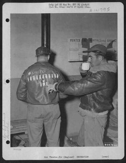bomber-jacket-art-nahled_0