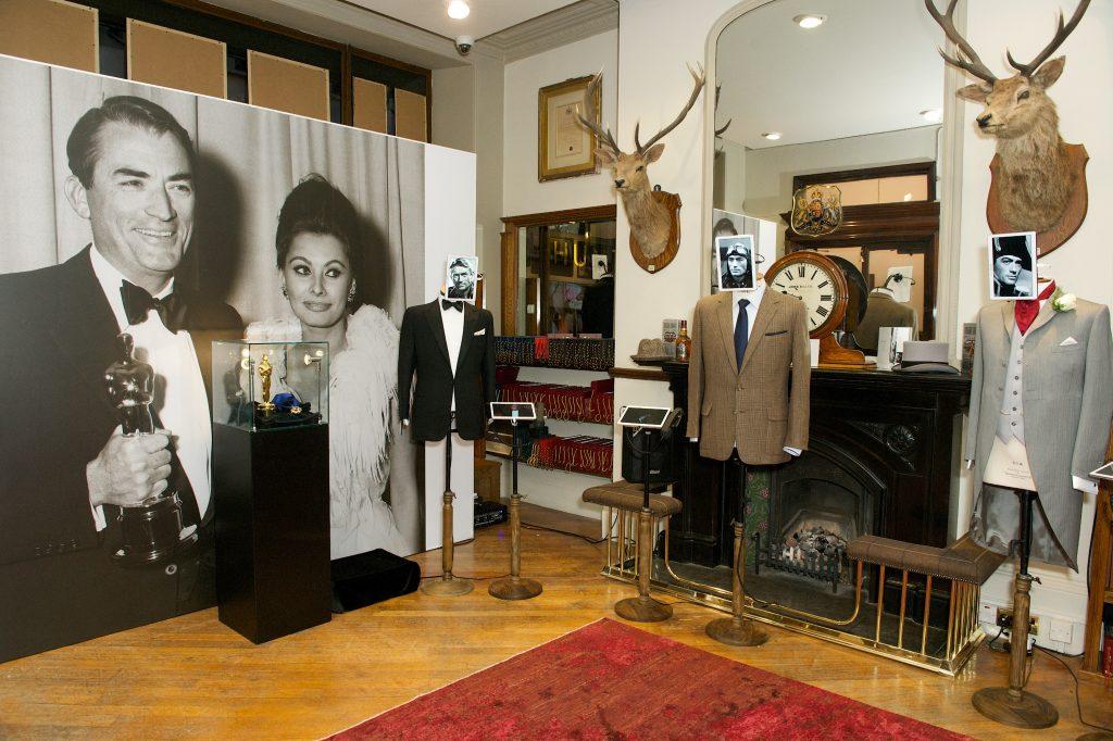 V roce 2014 v obchodě proběhla výstava memorábilií Gregoryho Pecka.