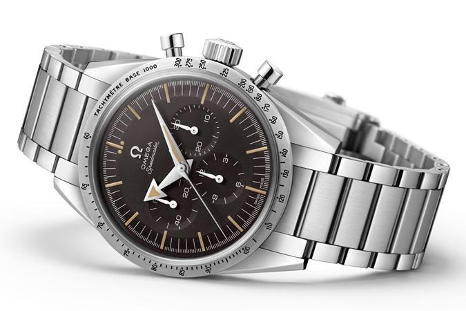 Omega Speedmaster Limited Edition - model k oslavě 60. výročí ikonického modelu Speedmaster sice vypadá stejně, ale kompletně zmodernizovaný a odolnější strojek dělá z hodinek další heritage generaci.