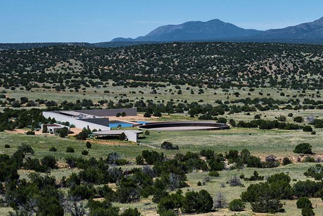 Tom_Ford_Sells_Ranch_Inside2
