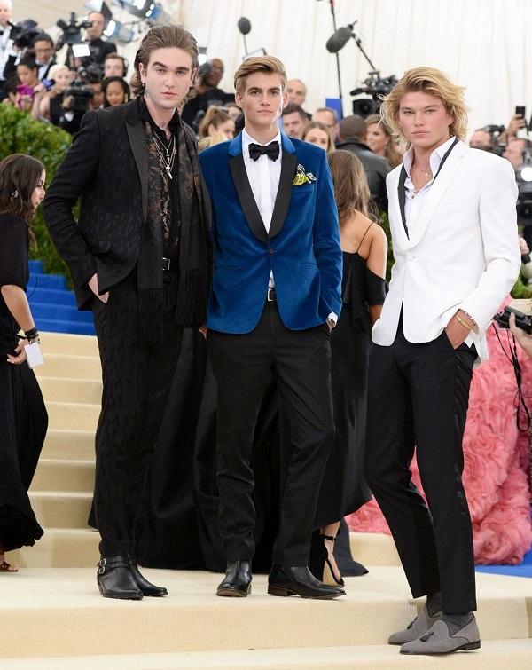Gabriel-Kane Day-Lewis, Presley Gerber a Jordan Barrett. AKA Ultimate golden kids.