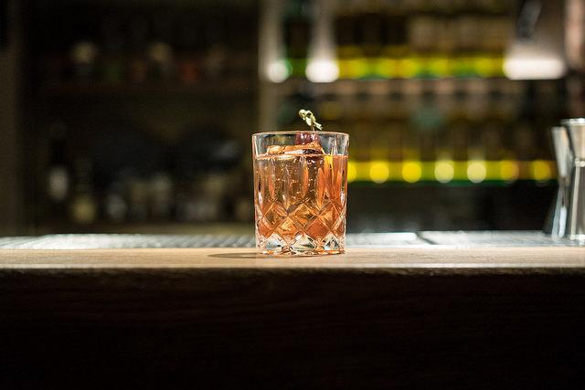 Drink Old Fashioned tak, jak jej připravují v AnonymouS.