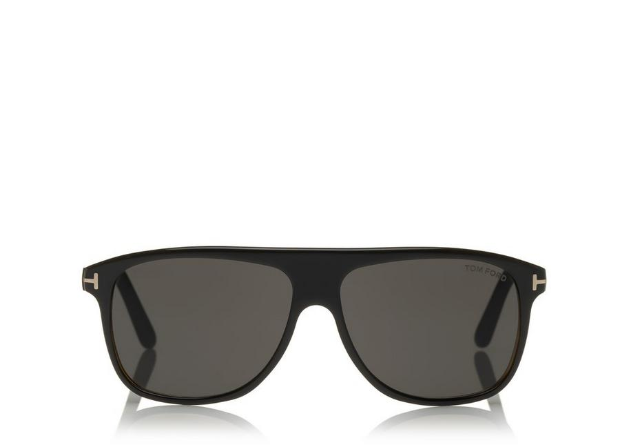 Brýle Inigo od Toma Forda. Nabízí skvělou rovnováhu mezi hranatým a kulatým.