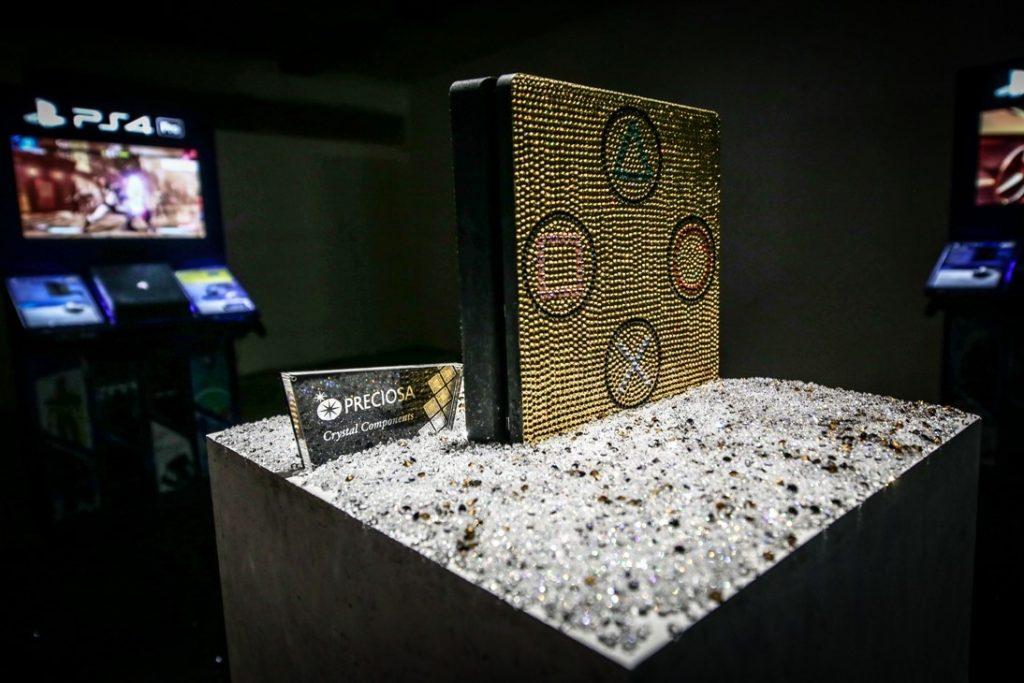 Dechberoucí třpytivá kolaborace Preciosa a Playstation.