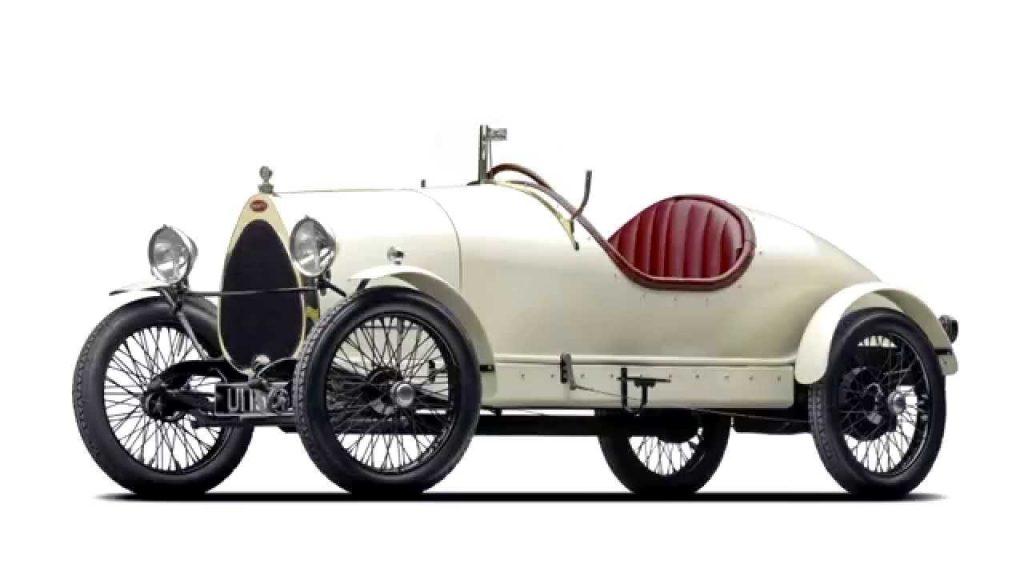 Původní vzhled závodní verze Bugatti.