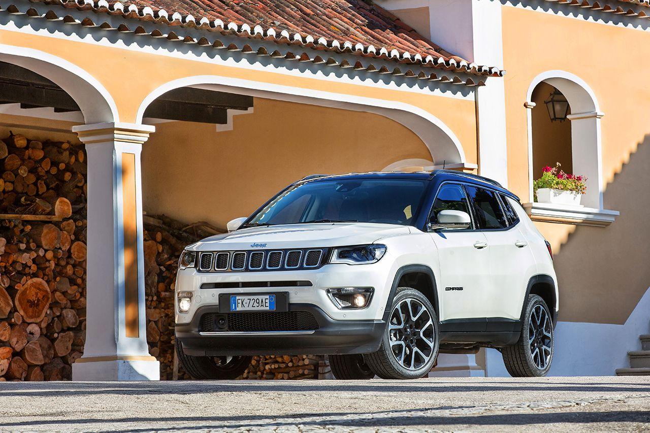 Moderní design Jeepu Compass sluší, trochu ale zavání laciností - 170606_jeep-compass_12_ok