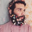 Muži s květinami - flower-beard7galerie7