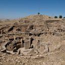 Chrámový komplex, který přepsal dějiny - 1024px-gobekli_tepe_urfa