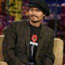 Styl Johnnyho Deppa ženy milují, muži obdivují - 12_jeho-nejoblibenejsi-cepice