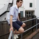 Jak nosí košili s krátkým rukávem módní znalci? - 2_kratky-rukav-sortky-tenisky-idealni