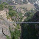 Nejdelší a nejvyšší skleněný most světa. Dejte pozor na závratě! - 56067a293570b0f19eead850