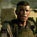 10 skvělých válečných filmů podle skutečných událostí - sphe-black_hawk_down_2001-full-image_gallerybackground-en-us-1483993183678-_ri_sx940_