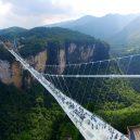Nejdelší a nejvyšší skleněný most světa. Dejte pozor na závratě! - zhangjiajie-grand-canyon