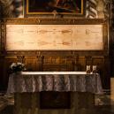 Slavnou církevní relikvii vědci označili za falzifikát - 01