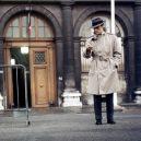 The best of Alain Delon - 11_trenckot-je-proste-vecny