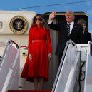 Putinův luxusní letoun se zlatou toaletou předčí i Air Force One? - President Trump Arrives In Florida For Weekend At Mar-A-Lago Estate