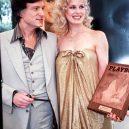 """Dorothy Stratten – druhá """"Marilyn Monroe"""": na cestě ke slávě, kterou zastavila násilná smrt - dorothy-stratten-hugh-hefner"""