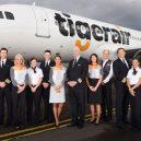 Na letecké uniformy je vždy radost pohledět - fashion-uniforms-tiger-air
