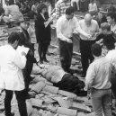 Ze života největšího pašeráka drog Pabla Escobara - mrtve-telo-pabla-escobara-na-stejne-strese-se-natacela-i-jeho-serialova-smrt