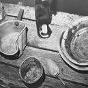 Krutý osud Češky, která zažila osmnáct lety ponížení v ruských gulazích - 08-black_and_white_photograph_of_prisoners_utensils_recovered_on_expedition_to_former_gulag_sitesgulaghistpory