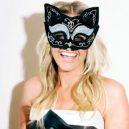 Killing Kittens pořádají tajemné sexuální večírky jako ve filmu - emma-sayle-v-kostymku