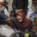 Lidé v klecích a bez toalet: Podívejte se na šokující fotodokumentaci z indonéských blázinců - 22761