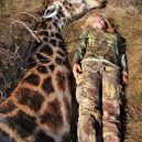 Lov žiraf – krutá zábava vede k jejich vyhynutí - 28-rebecca-francis-2-nocrop-w529-h746