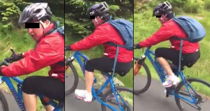 """97d5132059e4c """"Strč si ty řídítka do pr*ele!"""" Nešťastná cyklistka se přes noc stala  hrdinkou všech žen"""