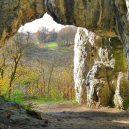 """V """"Temné"""" jeskyni nalezli nejstarší lidské ostatky v Polsku - rocks-2220992_1920"""