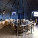 Podívejte se na luxusní kemping v ledovém konci světa - the-dining-room