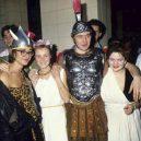 Nevázaný sex a drogy. Takhle probíhaly legendární večírky v pařížském Les Bains Douches. - 3018828_