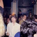 Nevázaný sex a drogy. Takhle probíhaly legendární večírky v pařížském Les Bains Douches. - 3018843_