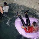 Nevázaný sex a drogy. Takhle probíhaly legendární večírky v pařížském Les Bains Douches. - 3018863_
