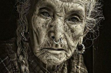 Starší lidi bychom neměli přehlížet, ale naslouchat jejich životnímu příběhu.