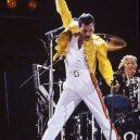 Freddie Mercury – nezapomenutelná legenda - fist-pump