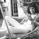 Freddie Mercury – nezapomenutelná legenda - freddie-mercury-photos-reclined