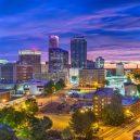 Místa, kde vám zaplatí, abyste tam bydleli - tulsa-oklahoma-skyline-at-twilight-photo-credit-getty