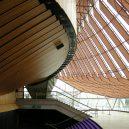 Siluetu operu v Sydney zná každý. Co se ale skrývá uvnitř? - 03 řešení