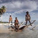 20 úchvatných fotografií domorodých kmenů, které jsou na pokraji vymření - indigenous-cultures-homage-to-humanity-jimmy-nelson-8-5c09181de3ef6__880