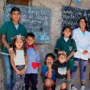Školu dvanáctiletého Nica navštěvují kromě dětí i dospělí - maestro