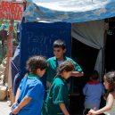 Školu dvanáctiletého Nica navštěvují kromě dětí i dospělí - o_1543769099