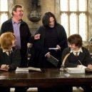 16 opravdu povedených snímků z natáčení Harryho Pottera. Takhle oblíbeného brýlatého kouzelníka a jeho přátele nejspíš neznáte - 6f6b5deda469b8e1968b85dfe845dafe