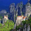 10 míst, které při návštěvě Řecka nesmíte v žádném případě vynechat - greece-meteora-monasteries-and-rock-spires