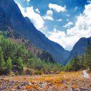 10 míst, které při návštěvě Řecka nesmíte v žádném případě vynechat - greece-samaria-gorge-and-trail
