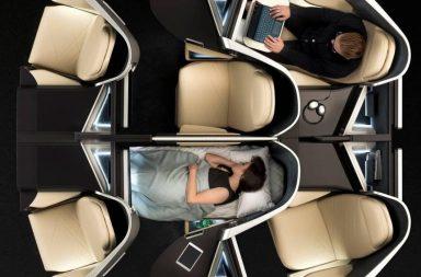 Sedadlo/postel při delším letu uvítá zajisté každý