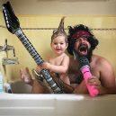 Otec tvoří pro svou dcerku roztomilé fotografie na Instagramu. Sledují ho statisíce lidí - sbsolly_36160061_167444220797298_7471604191354421248_n