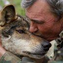 Španěl jako malé dítě utekl do hor za vlky. Žil s nimi až do svých 19 let - 3000